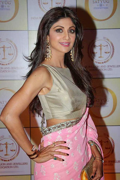 Shilpa-shetty-launch-satyug-gold